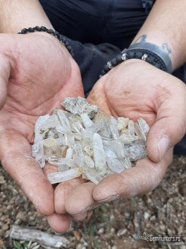 Handfull of quartz