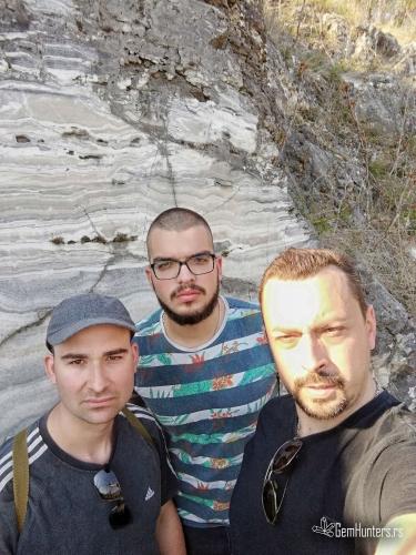 Ispred zida od oniksa, Lozovik