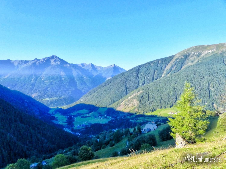 Tura po austrijskim Alpama iznad grada Mallnitz